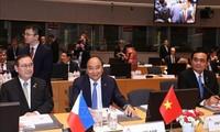 Premierminister Nguyen Xuan Phuc nimmt an dem 12. ASEM-Gipfel in Belgien teil