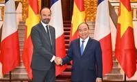 Frankreichs Premierminister beendet den Vietnambesuch