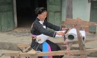 Das traditionelle Weben der Cao Lan in Khe Nghe