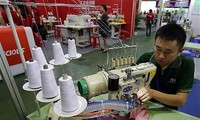 Gute Chance bei der Suche nach Materialien für Textilien und Lederschuhe Vietnams