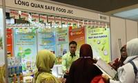 Zahlreiche vietnamesische Unternehmen nehmen an der internationalen Lebensmittelmesse in Indonesien teil
