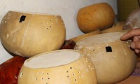 Kunst bei der Herstellung des Tinh-Instruments der Tay in Cao Bang