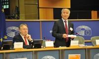 Französische Abgeordnete unterstützen das Freihandelsabkommen zwischen Vietnam und EU