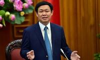 Vizepremierminister Vuong Dinh Hue nimmt an Bilanzkonferenz zur Wirtschaftsentwicklung teil