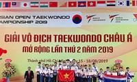 Vietnam gewinnt drei Goldmedaillen am Eröffnungstag der Asienmeisterschaft in Taekwondo