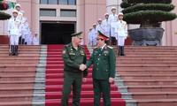 Hochrangige russische Verteidigungsdelegation zu Gast in Vietnam