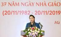 Tag der vietnamesischen Lehrer: Treffen mit Abgeordneten, die Lehrer sind