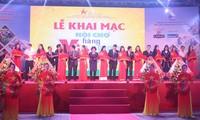 Fast 200 Unternehmen nehmen an der Messe für vietnamesische Waren teil