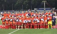 Vizestaatspräsidentin Dang Thi Ngoc Thinh würdigt vietnamesische Sportdelegation und Frauen-Nationalmannschaft