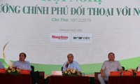 Premierminister Nguyen Xuan Phuc führt Dialog mit Bauern in Can Tho
