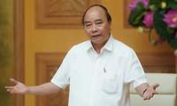 Premierminister Nguyen Xuan Phuc wird eine Konferenz mit Unternehmen führen