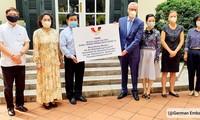 Vietnamesisch-deutsche Freundschaftsgesellschaft übergibt 80.000 Mundschutzmasken an Deutschland