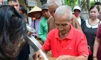 Reisautomat der Stimme Vietnams verbreitet die Barmherzigkeit