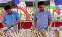 """Buchmesse """"Vietnam book fair tour 2020"""" in Provinz Thua Thien Hue"""