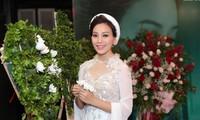 Sängerin Huyen Trang stellt drei Musikvideos über die Liebe in Kriegszeit