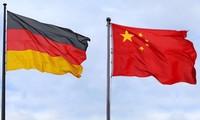 Spitzenpolitiker Deutschlands und Chinas führen Telefongespräch über die Verstärkung bilateraler Beziehungen