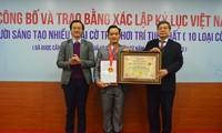 Dr. Tran Viet Dung stellt vietnamesischen Rekord für die Schaffung von zehn Schachvariante auf
