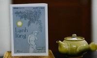 """Vorstellung weiterer vier Bücher des Buchbands """"Berühmte Werke Vietnams"""""""