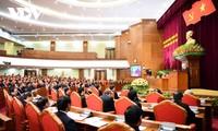 Abschluss der 15. ZK-Sitzung: Verabschiedung von Kandidaten für Schlüsselposten der Partei und des Staates