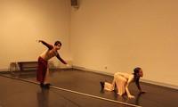 """Zeitgenössischer Tanz """"Spaltung"""": Auswirkung der sozialen Distanzierung auf Gefühle der Menschen"""