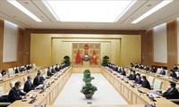 Premierminister Pham Minh Chinh empfängt den chinesischen Außenminister Wang Yi