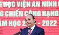Staatspräsident Nguyen Xuan Phuc zu Gast beim 75. Traditionstag der Akademie für Volkssicherheit