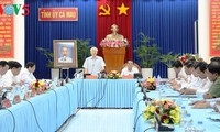 Ca Mau should focus on marine and forestry economy: Party leader