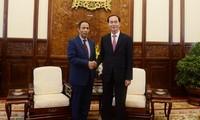 President receives UAE ambassador