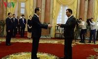 President receives new ambassadors