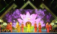 Sen Village Festival commemorates President HCM's birthday
