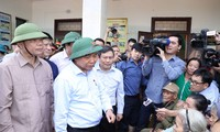 PM visits flood victims in central region