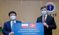Poland, China donate COVID-19 vaccines to Vietnam