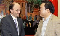 นาย Hoang Trung Hai รองนายกฯวน.ให้การต้อนรับผู้อำนวยการฝ่ายบริหาร UNIDO