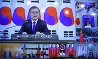 การประชุมผู้นำอาเซียนและอาเซียน+3นัดพิเศษดึงดูความสนใจของสื่อต่างประเทศ