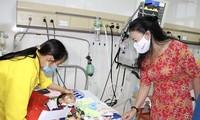 บริจาคโลหิตเพื่อวันสารทไหว้พระจันทร์ที่อบอุ่นของผู้ป่วยเด็กที่ต้องการเลือด
