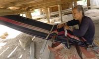 Brocade weaving of Ede ethnic minorities