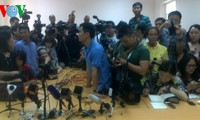 Vietnam facilitates foreign media reporting search and rescue operations