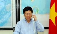 Deputy Prime Minister Pham Binh Minh calls Chinese State Councilor Yang Jiechi