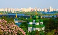 Vietnam's Embassy in Ukraine supports Vietnamese community