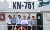 Half a million USD raised to support Hoang Sa and Truong Sa