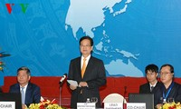 Vietnam PM stresses importance of HRD to APEC development