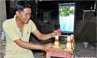 Maker of replicas of Truong Sa sovereignty marker