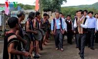 President Truong Tan Sang visits Kon Tum