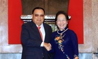 Vietnam and Laos bolster traditional friendship and comprehensive cooperation