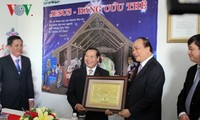 Deputy Prime Minister visits Vietnam Christian Mission