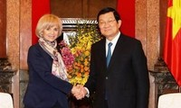 France supports Vietnam in East Sea-related issues
