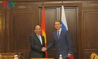 Prime Minister Nguyen Xuan Phuc meets Chairman of Russia's State Duma