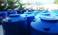 越南之声广播电台与日本Acecook越南公司向宁顺省赠送水箱