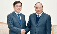阮春福希望三星扩大在越生产规模