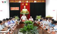 越共中央书记处常务书记陈国旺视察昆嵩省
